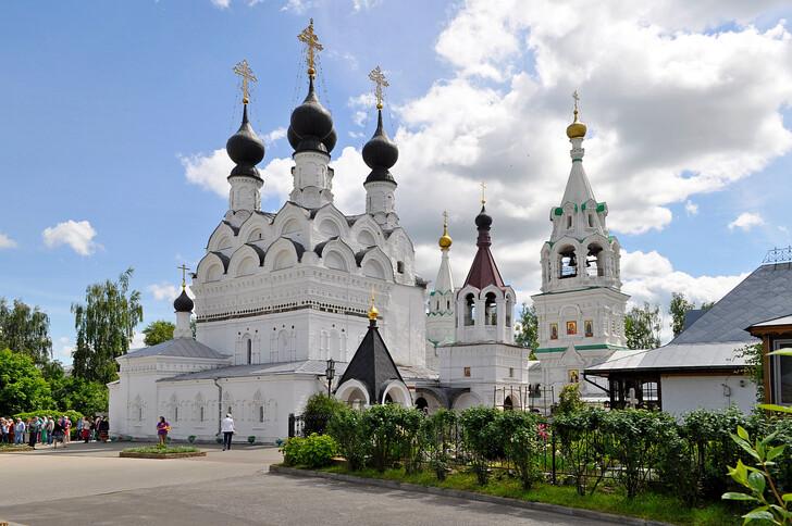 Собор Троицы Живоначальной Свято-Троицкого монастыря