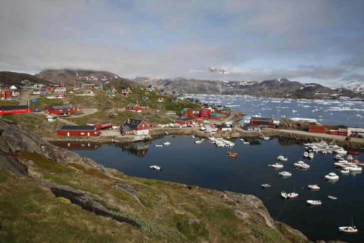 Кому принадлежит Гренландия?
