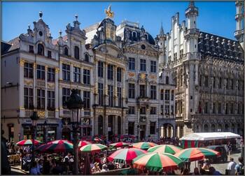 В Брюсселе из-за коронавируса закрывают бары и кафе