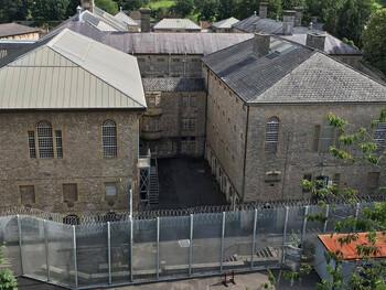 Туристы смогут переночевать в старейшей тюрьме Великобритании