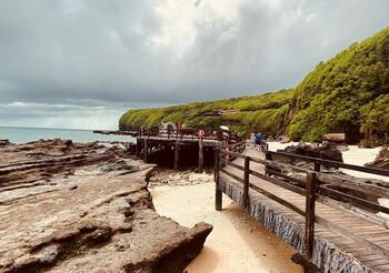 В Китае из-за сильного ветра с острова эвакуированы 22 000 туристов