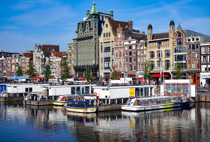 Вид Амстердама с воды