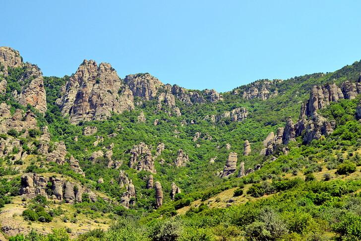 Горный хребет Демерджи