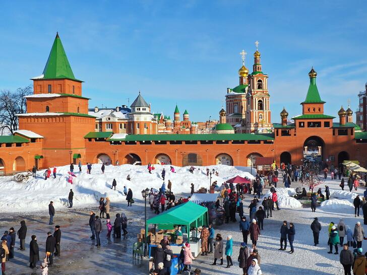 Туристический базар на территории Царевококшайского кремля