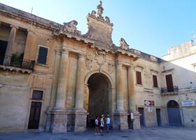 По барочным соборам Лечче в Южной Италии