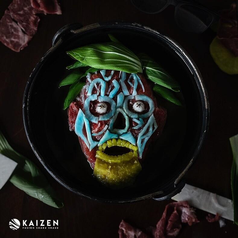 Жуткое меню на Хэллоуин: повар японского ресторана делает блюда с героями американских фильмов ужасов