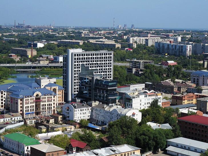 Вид на город со смотровой площадки Челябинск-Сити