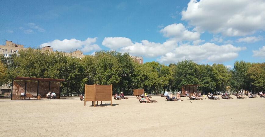 Пляж на озере Парковое-2