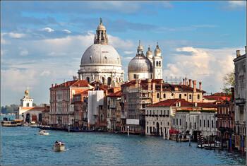 Введение туристического налога в Венеции отложено до 2022 года