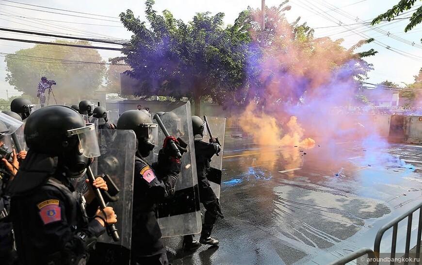 Протесты в Бангкоке в 2020