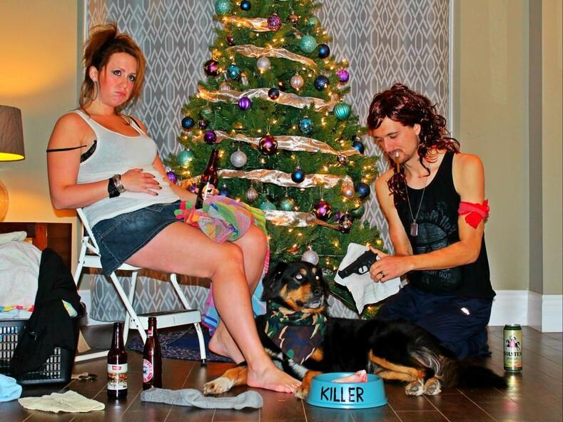 Нет - банальным семейным фото эта семья научит делать смешные рождественские снимки