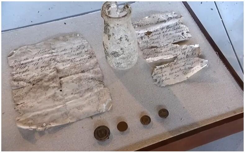 Рабочие спрятали в старинной мельнице бутылку с посланиями (и не только): нашли письма спустя 103 года и передали их внучкам тех самых рабочих