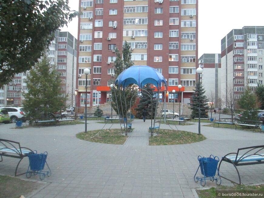Небольшой тематический парк на юго-востоке города