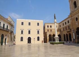 По достопримечательностям древнего Бриндизи (Апулия, Южная Италия)
