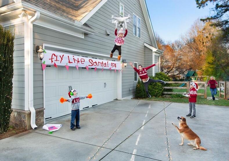 Самые честные рождественские фото, сделанные молодой семьей с тремя детьми