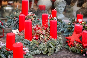 Европейский офис ВОЗ рекомендует отмечать зимние праздники на улице и в маске