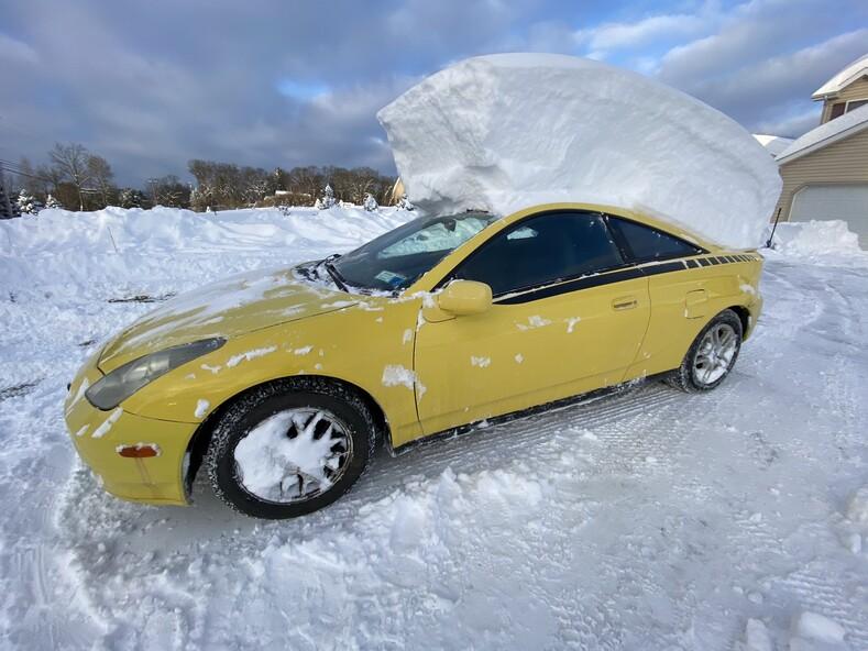 Снежный шторм Гейл за ночь город засыпало рекордным слоем снега