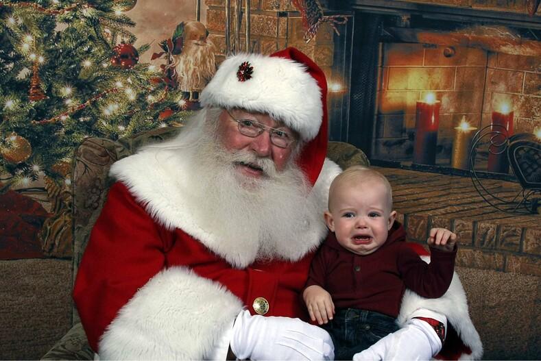 15 провальных фото с Санта-Клаусом родители не ожидали такой реакции от детей