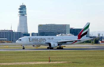 Emirates отменяет предоставление тестов на транзитных рейсах