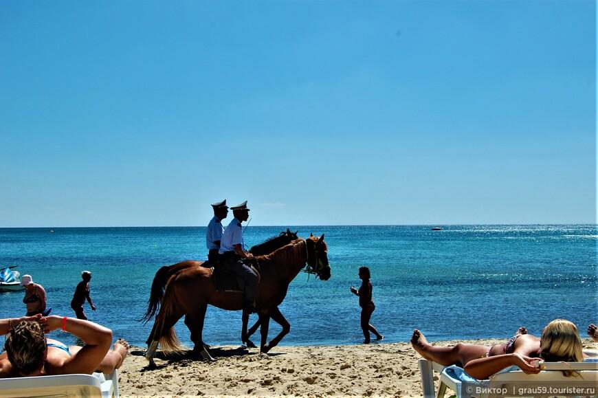 На пляже в Ясмине пахнет совсем не жасмином