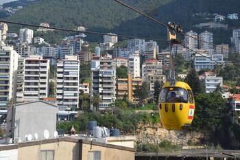 Власти Ливана закрывают страну на 11 дней