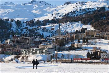 В горах Швейцарии на карантин закрыли два люксовых отеля