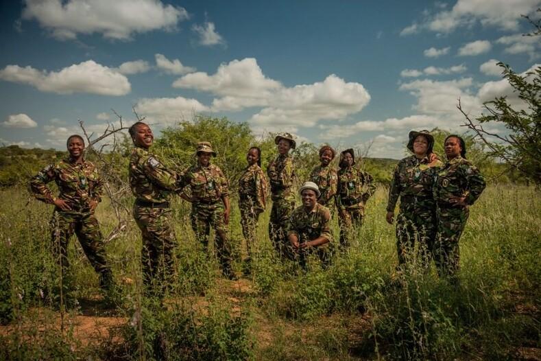 Отряд Черная мамба красивые женщины защищают исчезающие виды животных Южной Африки