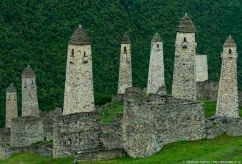 Древние башни в Ингушетии оборудуют видеокамерами для защиты от вандалов