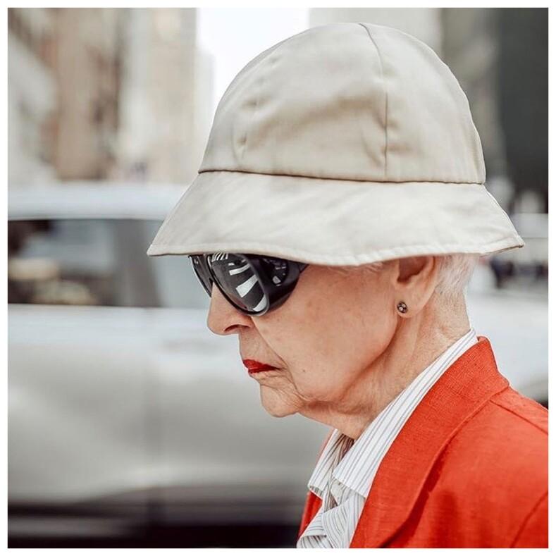 Старость по-итальянски: студент фотографирует на улицах дам 60+, доказывая, что красота не зависит от возраста