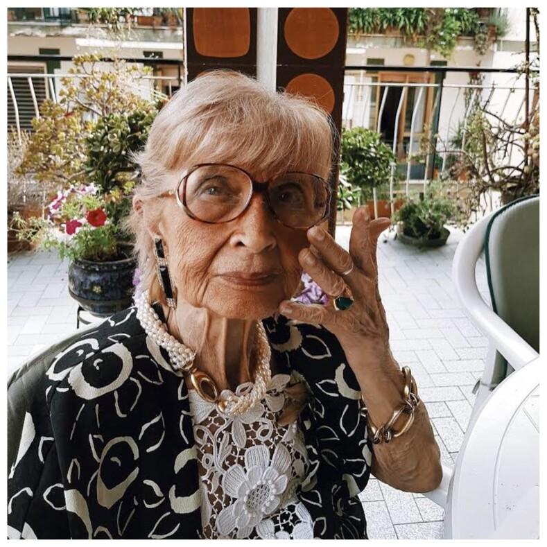 Старость по-итальянски студент фотографирует на улицах дам 60, доказывая, что красота не зависит от возраста