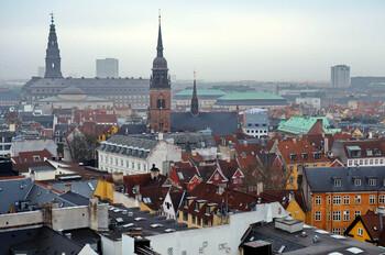 Власти Дании продлили ограничения до конца февраля