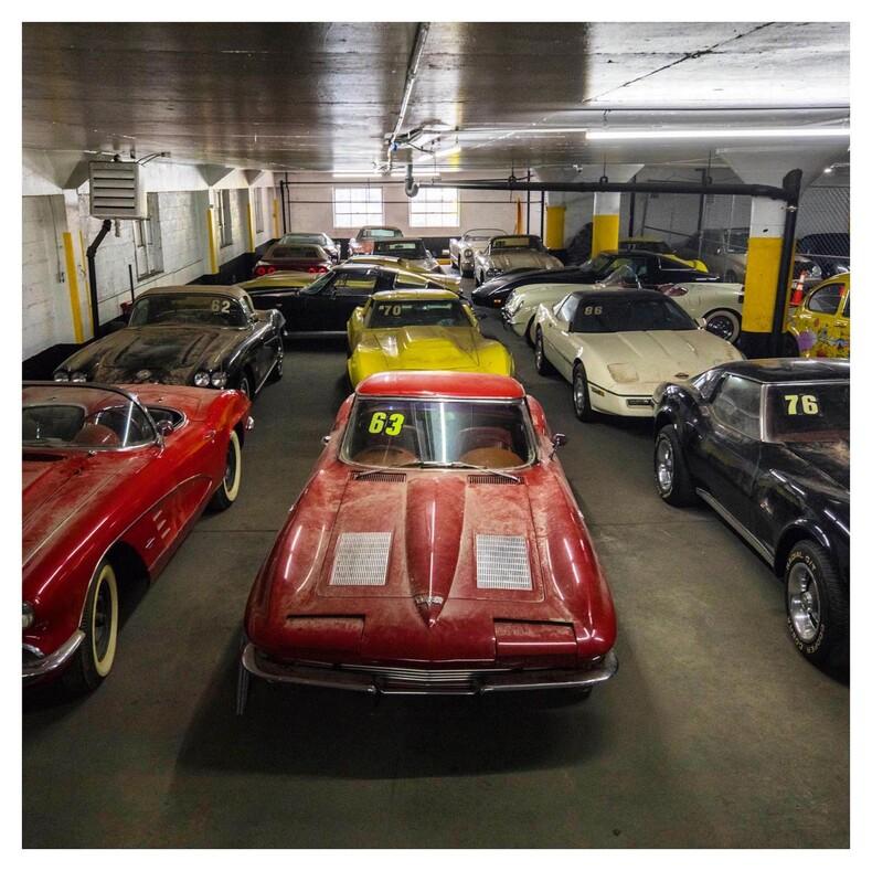 36 пропавших Корветов легендарная коллекция машин, которую считали утерянной почти 30 лет