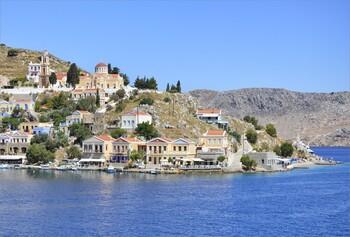 Греция вакцинирует всё население до начала туристического сезона
