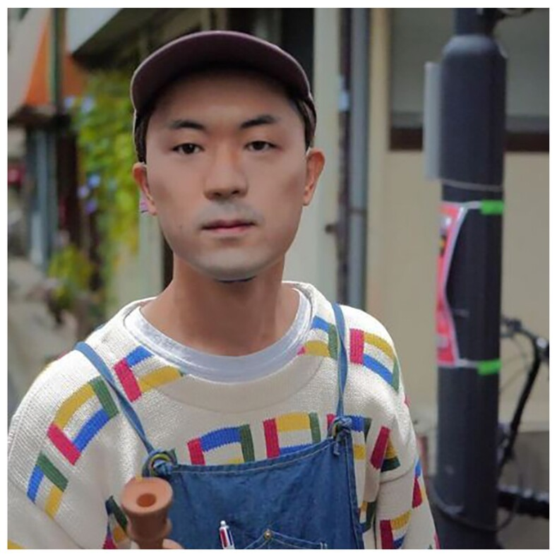Носить чужое лицо: мужчина создал гиперреалистичные маски, с помощью которых можно превращаться в других людей