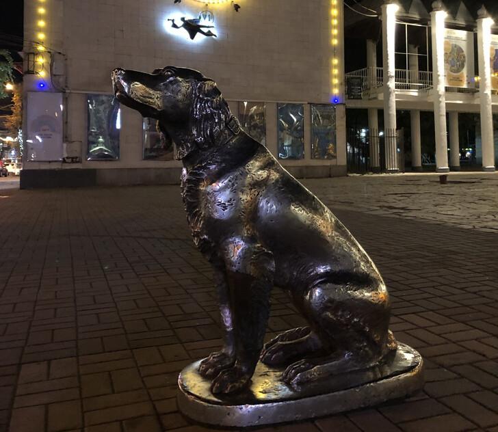 Памятник «Белый Бим Черное ухо»