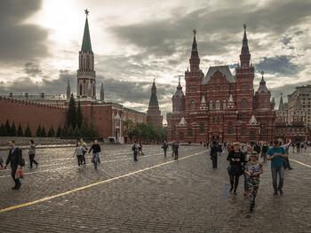 Самые популярные у россиян турнаправления на 23 февраля и 8 марта