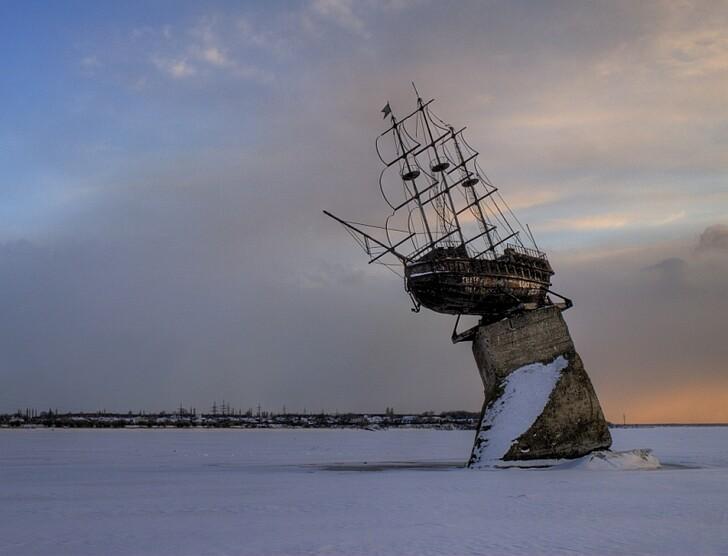 Корабль-баркалон «Меркурий»