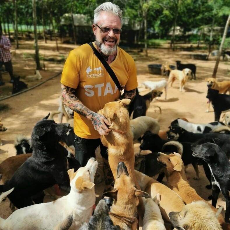 Человек, который спасает собак шведский повар открыл крупнейший в Таиланде приют для уличных животных