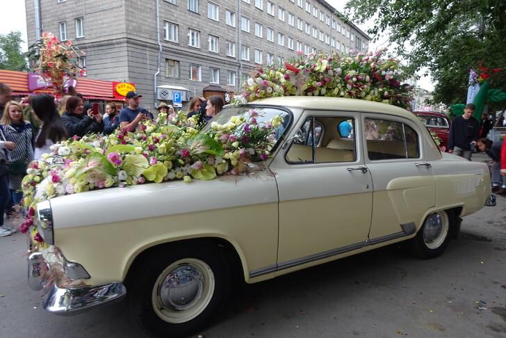 Фестиваль цветов в День города