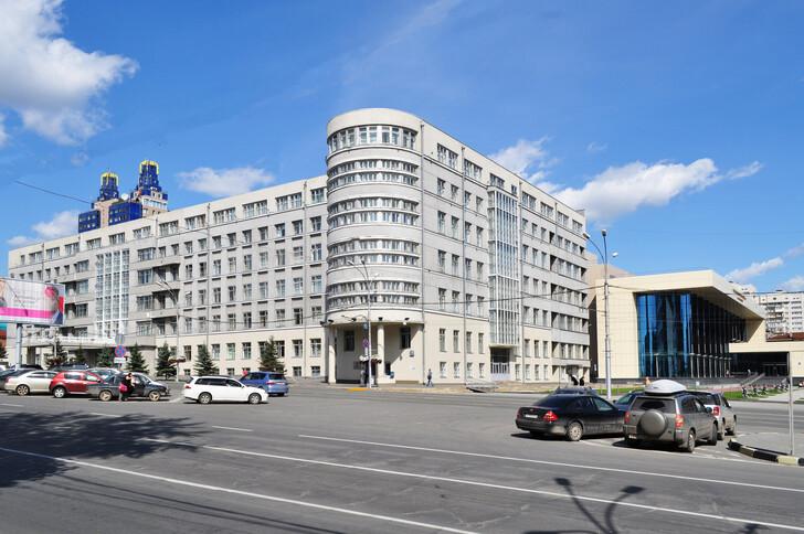 Здание администрации Новосибирской области и Концертный зал имени Арнольда Шварца