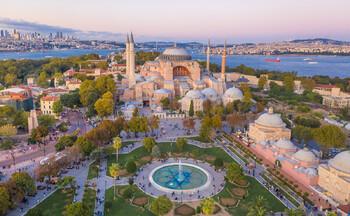Россия впервые в истории лидирует по турпотоку в Стамбул