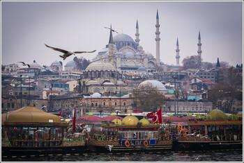 Туристы из РФ заняли первое место по турпотоку в Турцию в январе