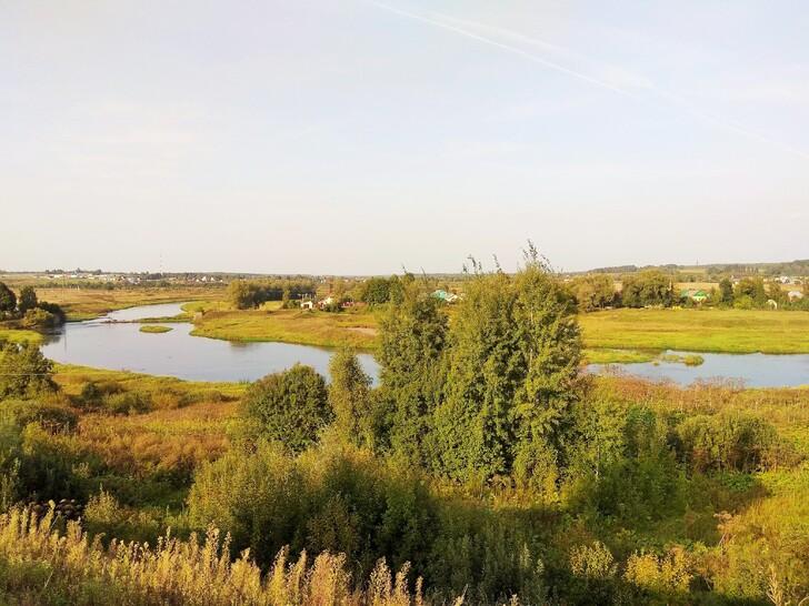 Река Москва в окрестностях монастыря и парка