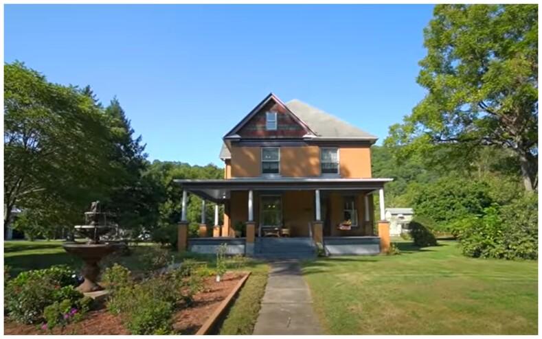 Киноман купил дом маньяка из фильма Молчание ягнят фото о том, как выглядит 140-летнее здание внутри