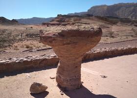 Соломоновы столбы, грибочки и марсианские виды в парке Тимна