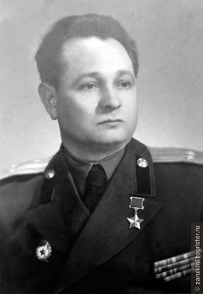 Кто из героев Советского Союза жил после войны в знаменитом Доме Павлова