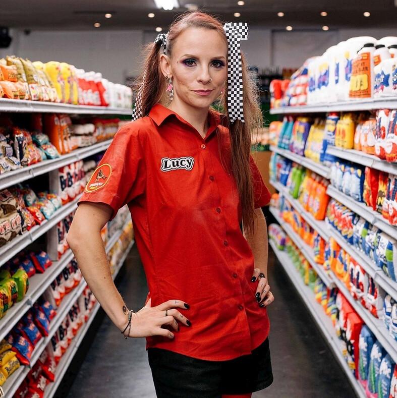 Альтернативная безумная реальность 20 фото супермаркета, в котором все продукты и вещи сделаны из войлока