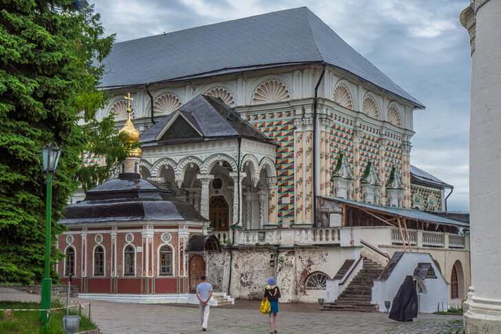 Трапезные палаты и Михеевская церковь