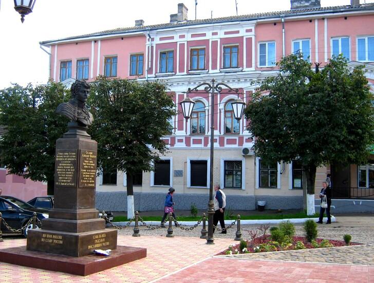 Памятник А.Н. Сеславину