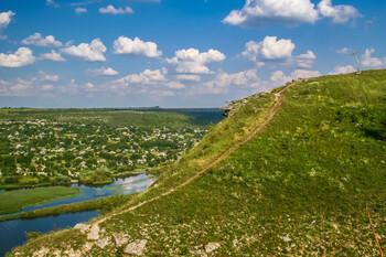 В Молдавии намерены вновь ввести режим ЧП